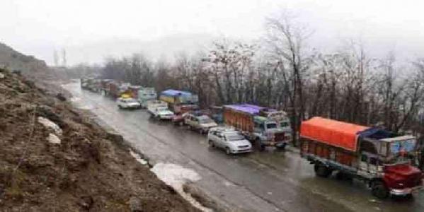 Jammu-shrinagar-raajmaarg-par-ektarfa-yaatayaat-ki-anumatti