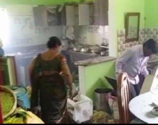 ओडिशा शादी मे गिफ्ट किया बम हुआ ब्लास्ट