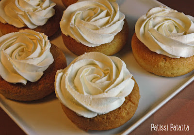 petits gâteaux, pâtisserie, babas, rhum, chantilly, french cake, patissi-patatta