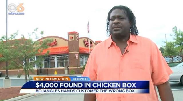 Encuentra 4 mil dólares en una cubeta de pollo frito