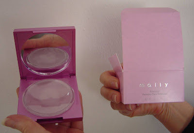 Mally Beauty Evercolor Poreless Defender with box.jpeg