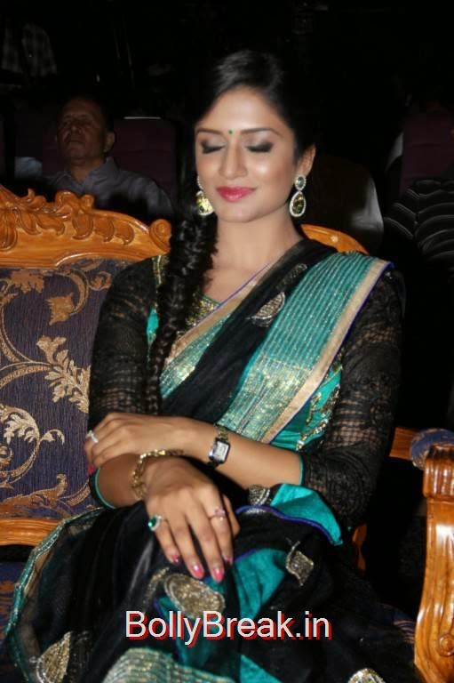 Vimala Raman Pictures, Vimala Raman Hot HD Pics in Black Saree from Young India Awards