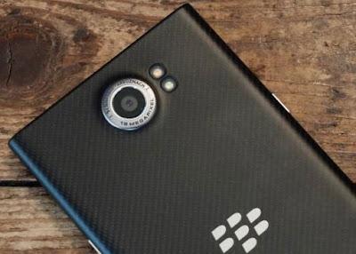 Dua Ponsel BlackBerry Terbaru, Hamburg dan Rome