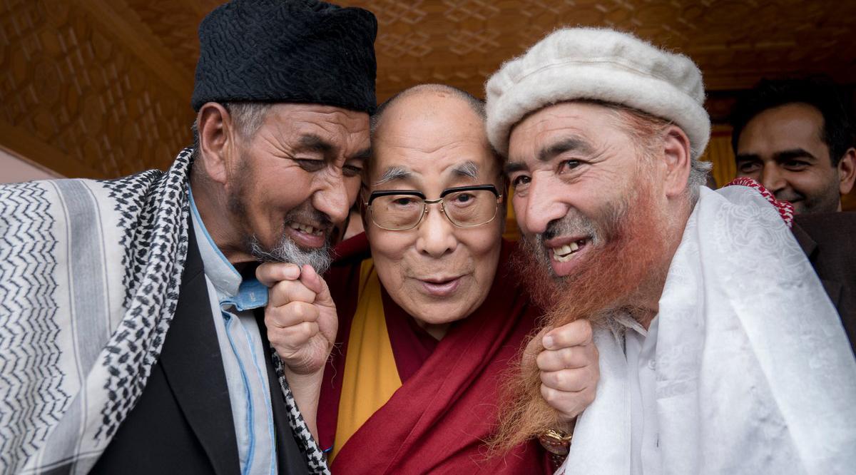 Dalai lama yang sangat bersahabat