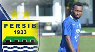 Persib Bandung Resmi Kontrak Eka Ramdani dan Patrich Wanggai