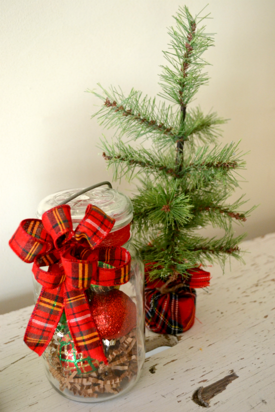 Homeroad make a diy vintage jar holiday hostess gift for Good hostess gifts for a christmas party
