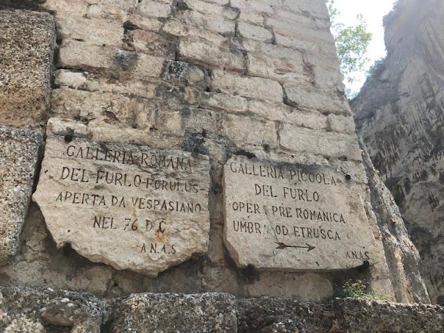 ISCRIZIONI-GOLA-DEL-FURLO