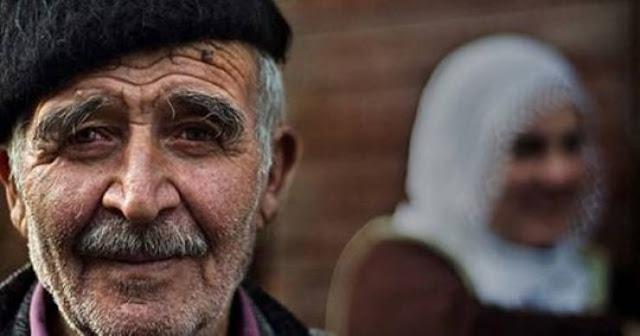 بعد 60 عاما من الزواج كشفت له السر وهي على فراش الموت ! كشفت له سر  كانت تخفيه طيلة هذه السنوات داخل صندوق غامض!