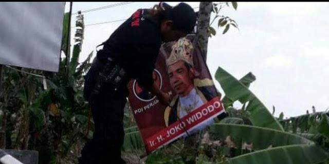 PDIP Soal Dalang Poster Jokowi Raja: Kalau Dibuka Bakal Terjadi Kekacauan