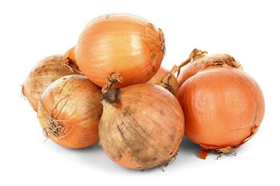 Onion-Effective natural remedies to cure Toothache.