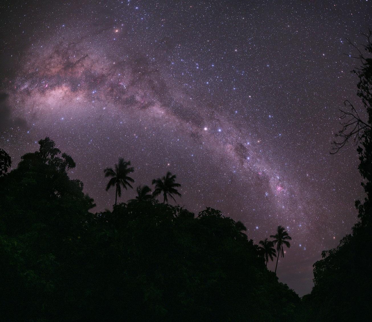 denser in middle night sky milky way galaxy - photo #28