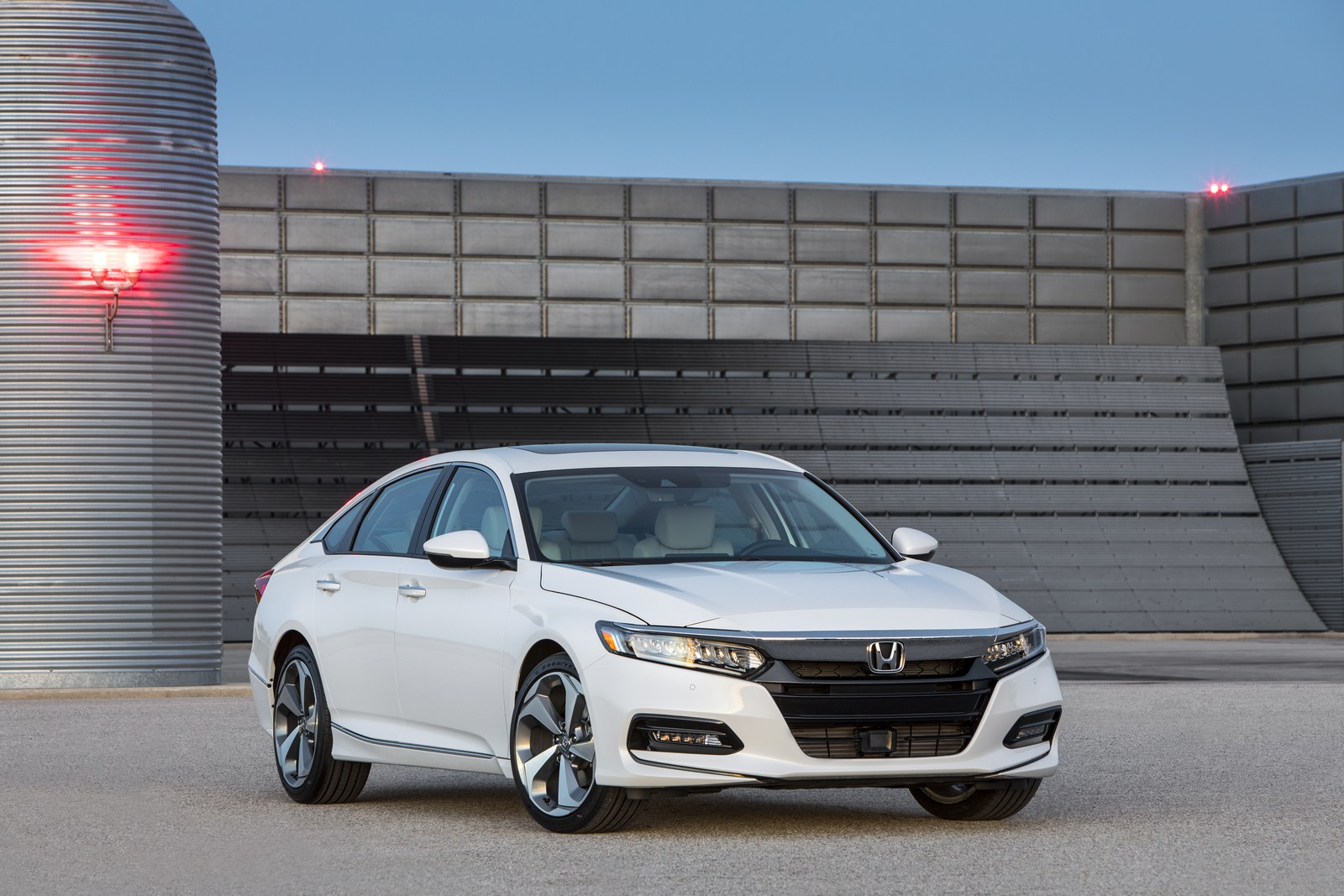 2018 honda accord unveiled with turbocharged four cylinder engines carscoops. Black Bedroom Furniture Sets. Home Design Ideas
