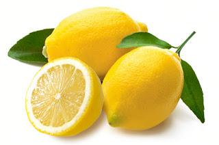 Cara-Memutihkan-Gigi-dgn-Lemon