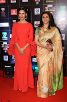 Bollywood Celebrities on the Red Carpet Of Zee Cine Awards 2017 Exclusive 047.JPG
