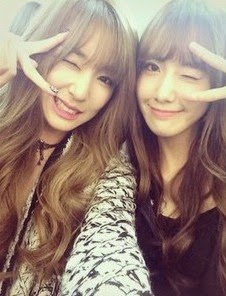 SNSD's Tiffany and YoonA posed for set of adorable SelCa ...