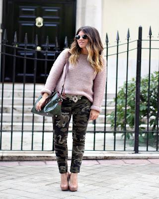 outfit con pantalón verde militar de invierno tumblr