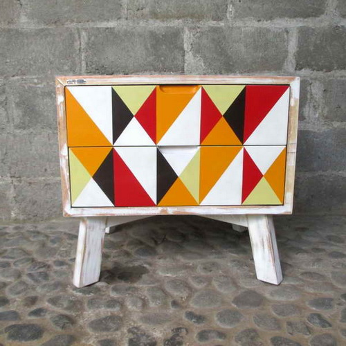 Tinuku Alldecos studio began painting on canvas to wood surface generate pop-classic and pop-shabby chic furniture