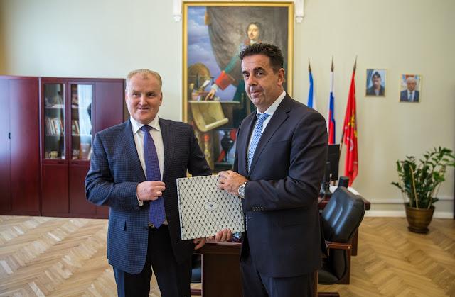 Αγία Πετρούπολη - Ναύπλιο - Κρονστάνδη: Η ισχύς εν τη ενώσει