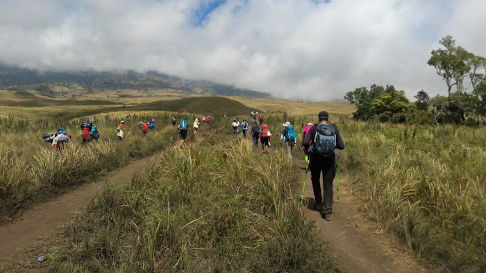 Rinjani Trekking 2D1N Summit
