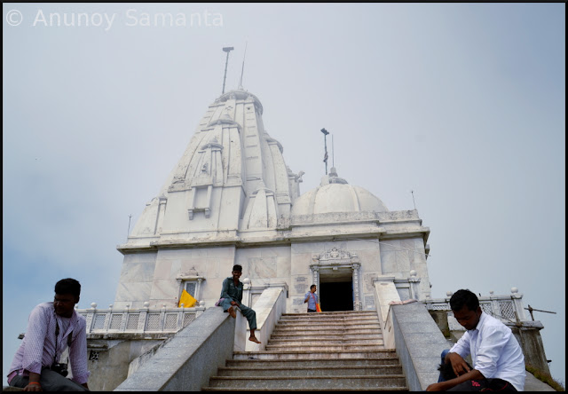Hike to Parasnath Hill - the holiest Jain Pilgrimage trail in India