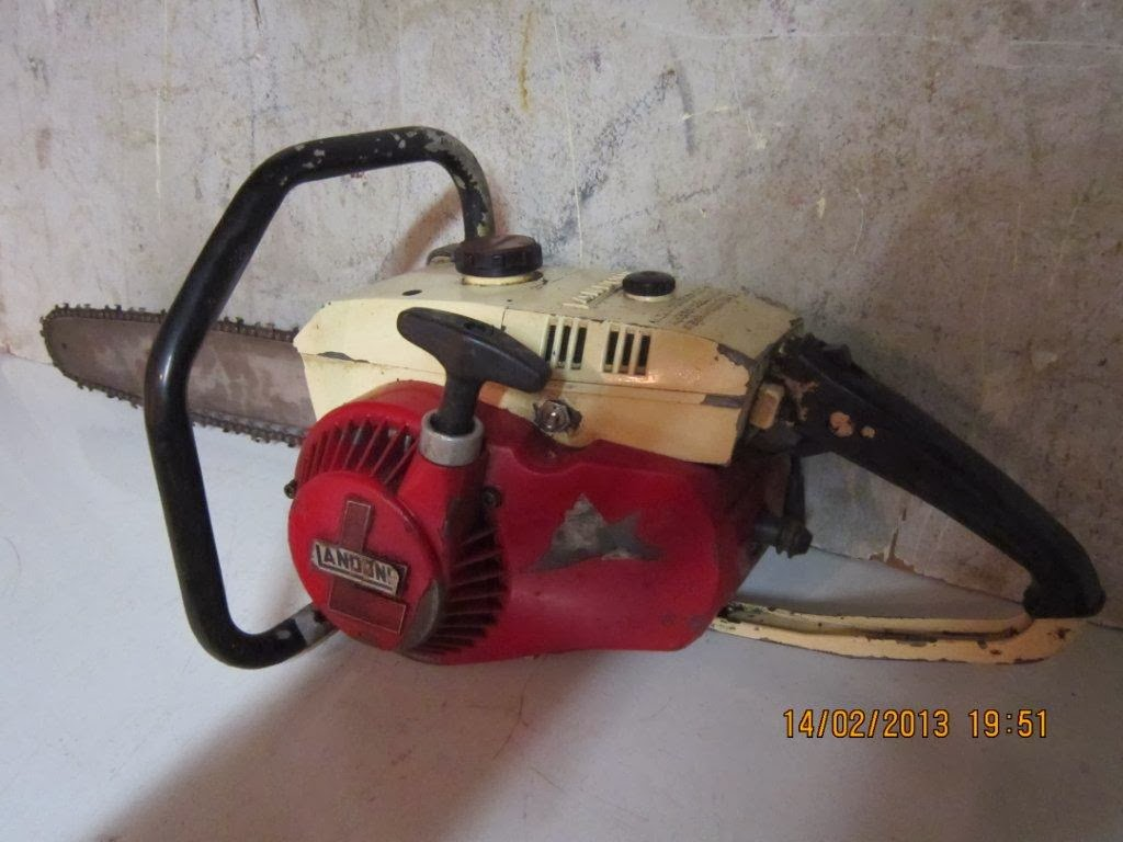 hight resolution of vintage chainsaw collection