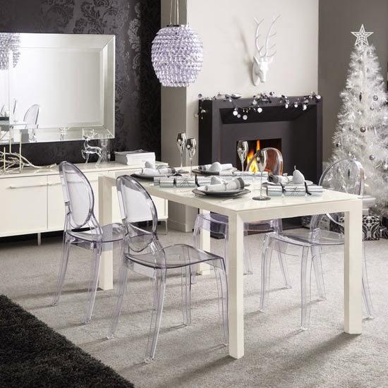 Mesas de navidad en gris y blanco colores en casa for Sillas cocina transparentes