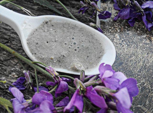 Минеральная сухая чистка с экстрактом фиалки - 80 мл