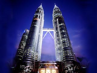 Menara Kuala Lumpur di Malaysia Adalah Hasil Rancangan Putra Indonesia Menara Kuala Lumpur di Malaysia Adalah Hasil Rancangan Putra Indonesia