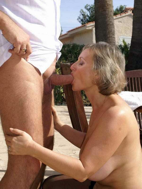 Mature naked women bj, guy girl animal porn