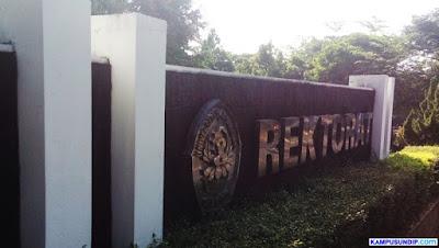 Rektorat Lama Kampus Undip Tembalang