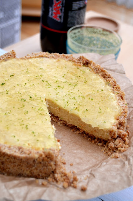 no-bake cheesecake flavoured with cola, coconut and lime