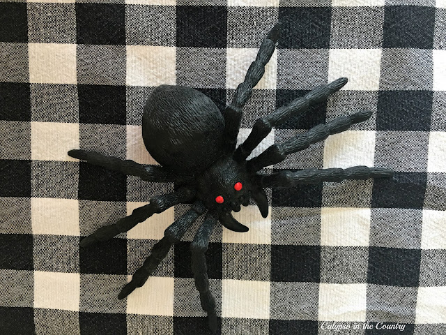 Plastic spider - and other cute ideas to fill Halloween gift bags