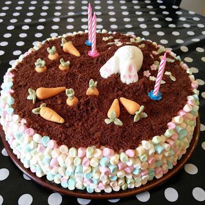 Kanintårta med choklad och marschmallows