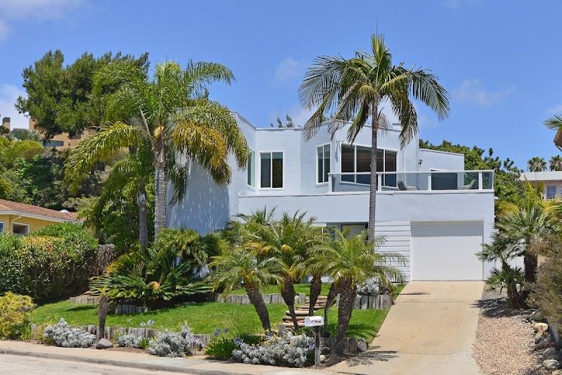 Team SchuCo Hosts Open House in La Jolla