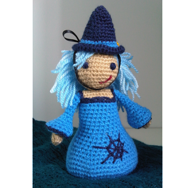 Free Crochet patterns for Halloween witches!