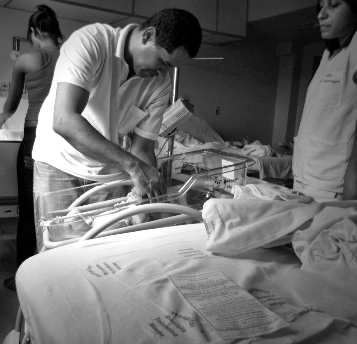 Cuidados com o umbigo do bebê, maternidade, umbigo do bebe, moda infantil, enxoval de bebe, papai, paternidade