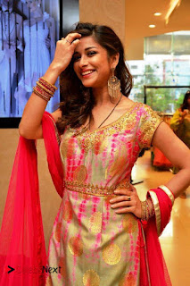 Actress Madhurima Pictures at Mebaz Summer Pret Collection Launch  0011
