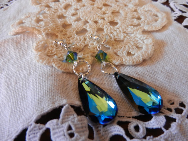 swarvoski blue drop earrings