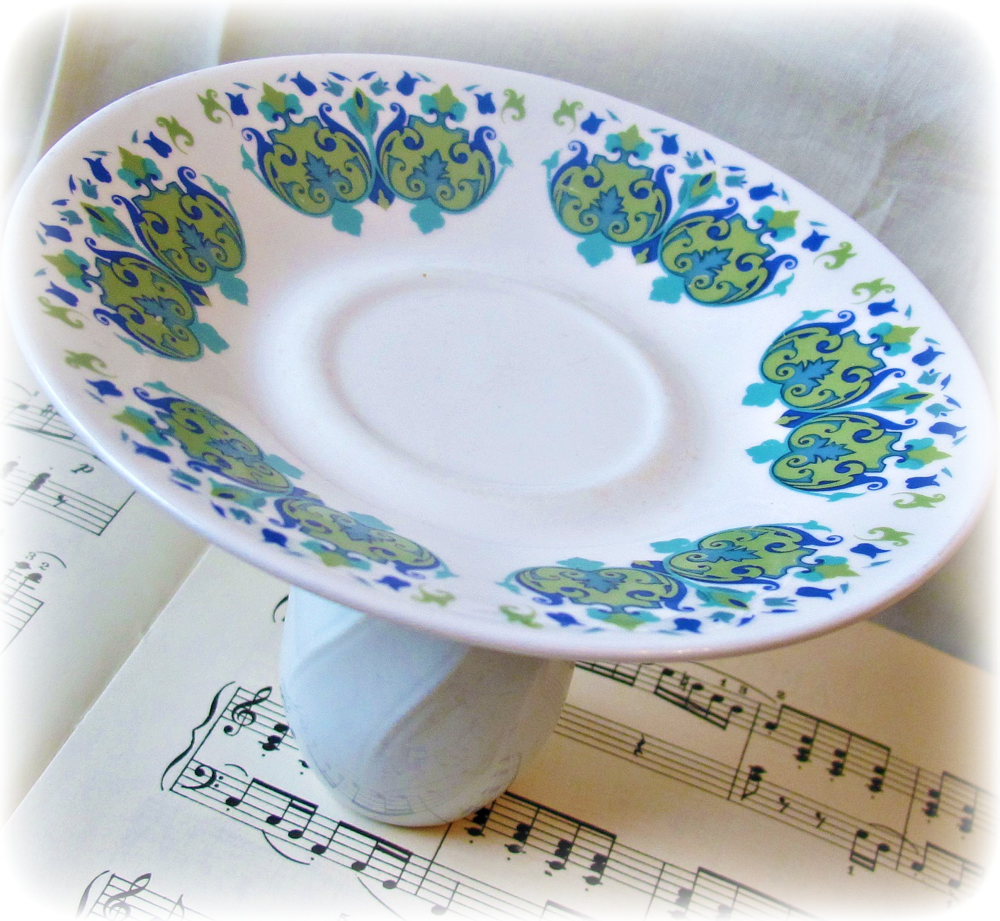 image domum vindemia cupcake stand dessert retro blue green 70s white avocado party favour wedding