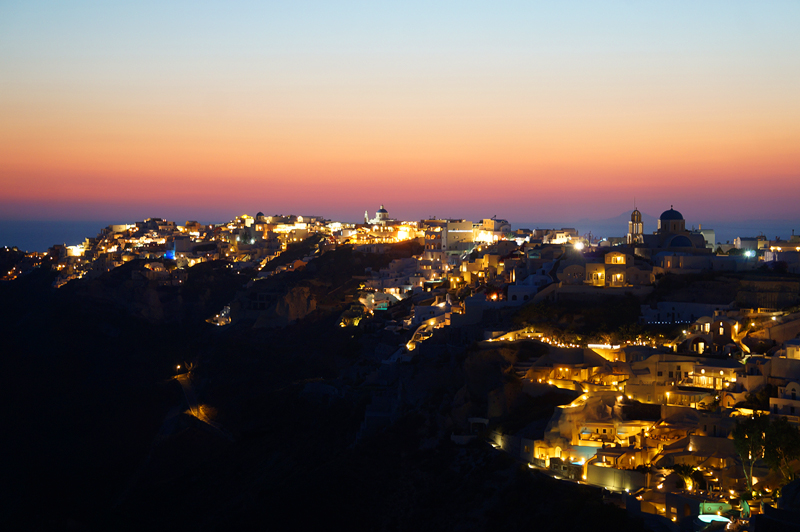 Night lights in Oia