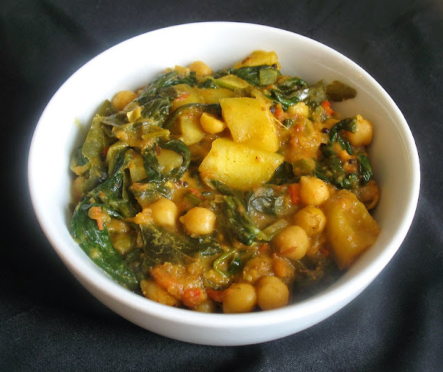 chickpea mango and spinach curry