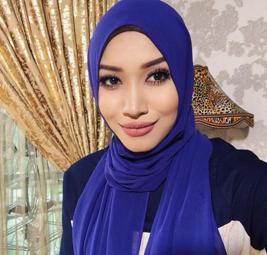 Foto Cun Zahirah Macwilson - Pelakon Cik Cinderella Dan Encik Tengku