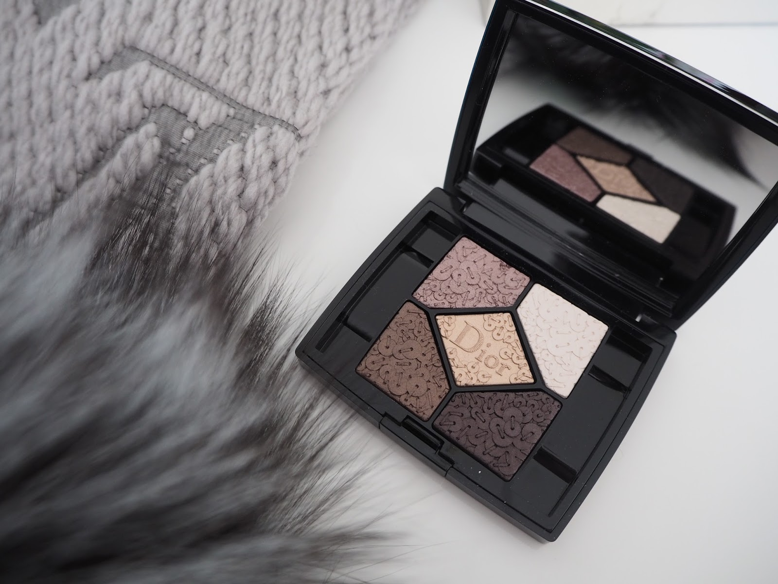 Dior Holiday 2016-Precious Embroidery palette
