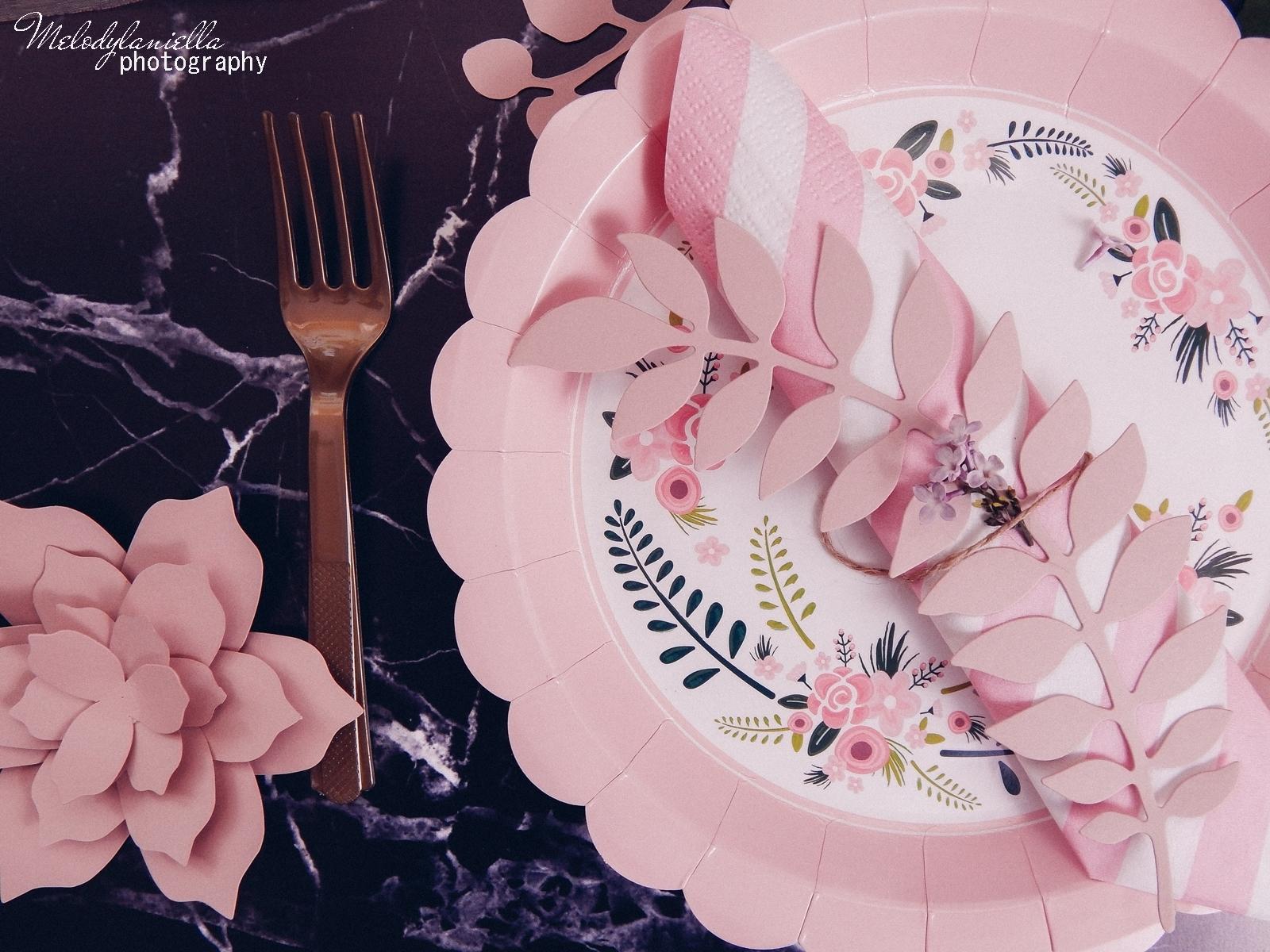 5 partybox.pl imprezu urodziny stroje dodatki na imprezę dekoracje nakrycia akcesoria imprezowe jak udekorować stół na dzień mamy pomysły na dzień matki ozdobna zastawa talerze