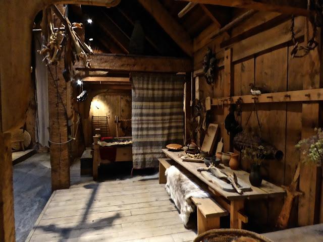 L'intérieur de la maison viking, la salle de vie : l'alimentation dans les îles Lofoten