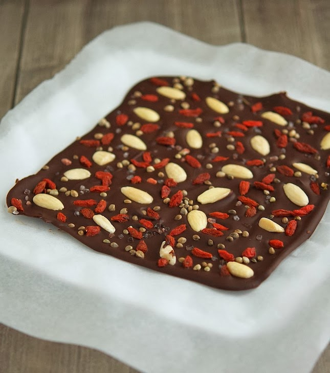 Dark Chocolate Bark With Sea Salt and Superfoods