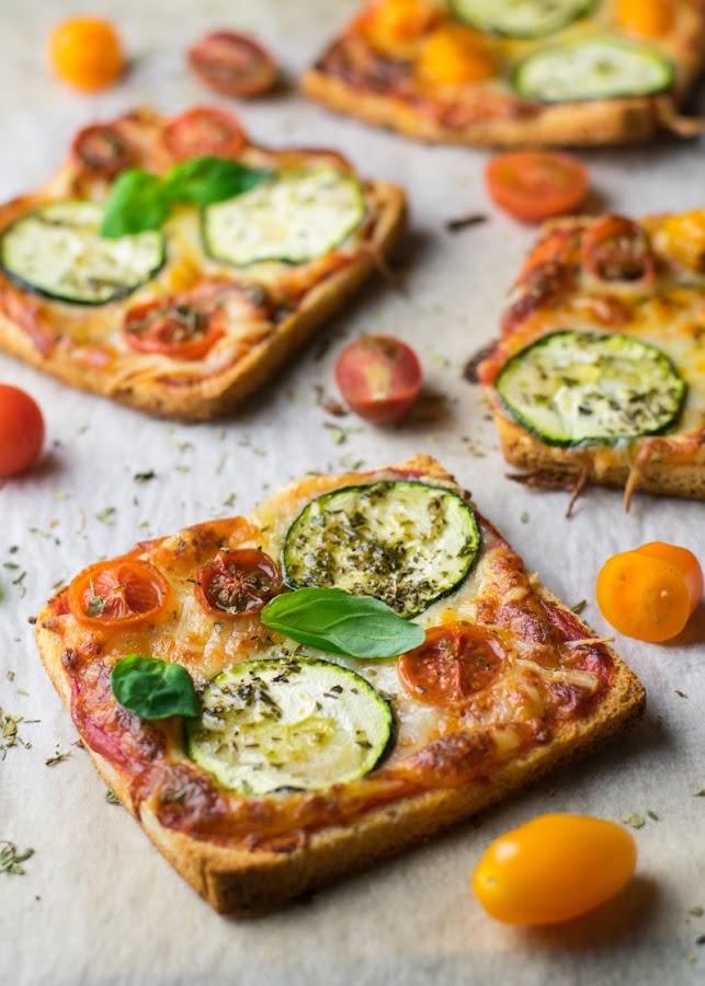 Pizza rápida con pan de molde