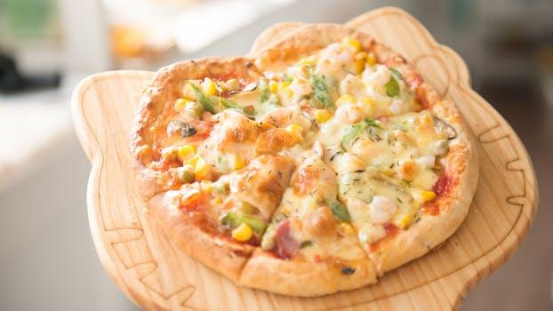 Pizzas uma massa que todos amam com diversos sabores as pizzas são a paixão dos brasileiros. Venha saborear essa massa no blog.