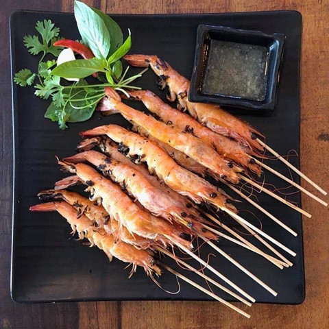 Lễ 30/4 đi đâu? đến Nha Trang nếm hải sản, bún sứa và nhiều món ngon khác