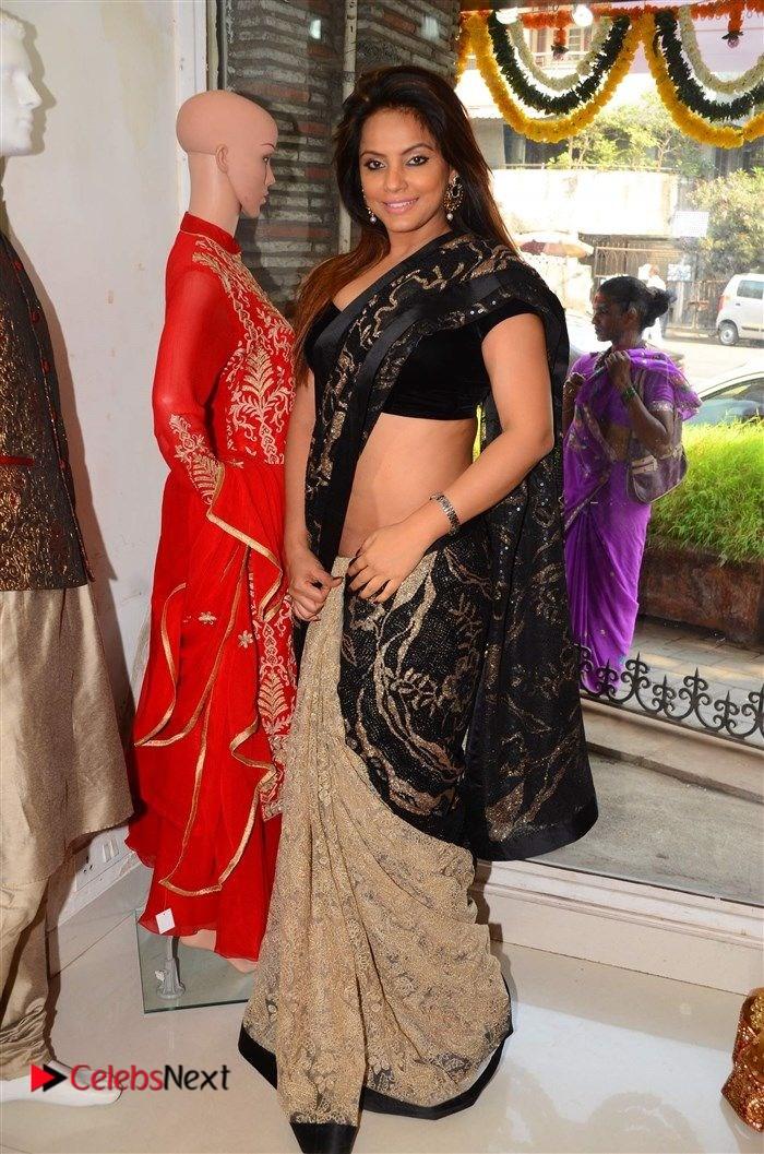 Neetu Chandra Stills in Black Saree at Designer Sandhya Singh's Store Launch